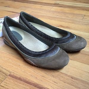 COLE HAAN / G Series Slip-On Loafers / Olive / EUC